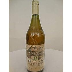 arbois paul benoit blanc 1992 - jura france: une bouteille de vin.