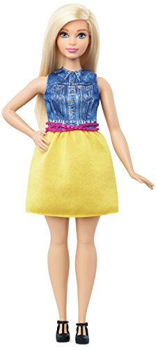 Mattel Barbie DMF24 - Modepuppe, Fashionista im Kleid in gelb und Denim (A-linie Petite-denim Rock)
