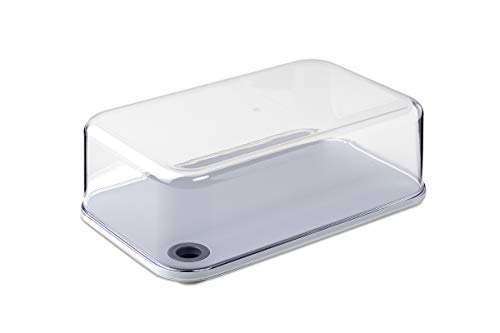 The Modula Cheese Serving Dome by Rosti Mepal has a cutting board which is grey and can be removed. The transparent dome seals well to the board, perfect for storing and presenting a variety of cheeses. Also available in large, these boxes are ideal ...