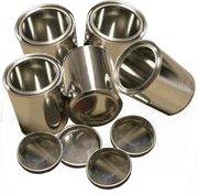 Eigenschaften: - Aus Weißblech - Mit Deckel, leer - Wieder befüllbar - 0,25 Liter Volumen - Durchmesser 7,5 cm - Höhe 7,5 cm