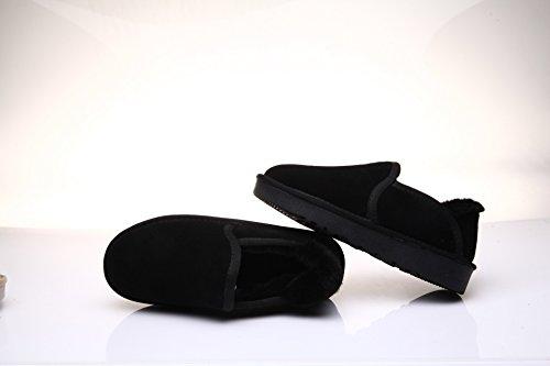 Des bottes d'hiver chaud avec des paresseux chaussures chaudes