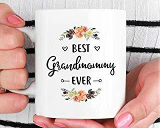 DKISEE Tazza da caffè in ceramica bianca con scritta'Best Grandmommy Ever', ideale come regalo di Natale o per gli amici 15oz Infradito colorati estivi, con finte perline