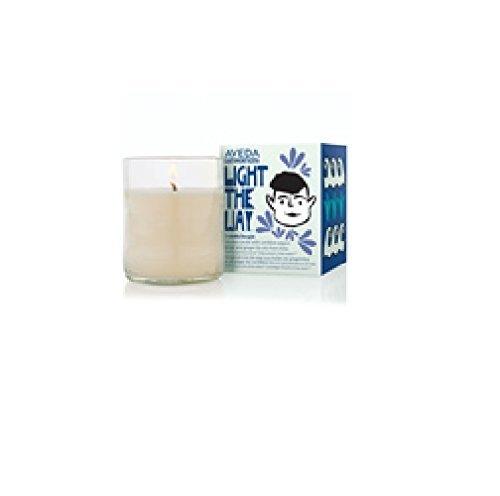 AVEDA Earth Month Light the Way Candle Limitierte Aroma-Kerze zugunsten des Wasserschutzes &...