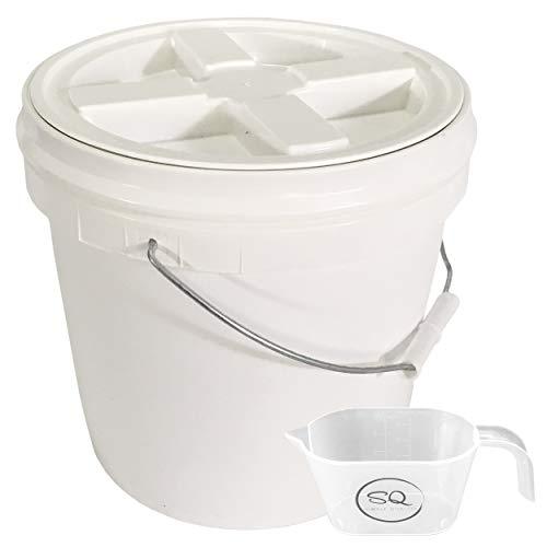 Letica Eimer mit Gamma Seal Deckel, BPA-frei, Deckel wurde in den Eimer montiert, Bündel und ein Messbecher mit einfachem Qualitäts-Logo, 2 Liter (Food Container Mit Schraubdeckel)