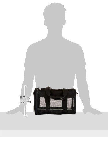Amazon Basics Pet carrier bag, soft side panels 13