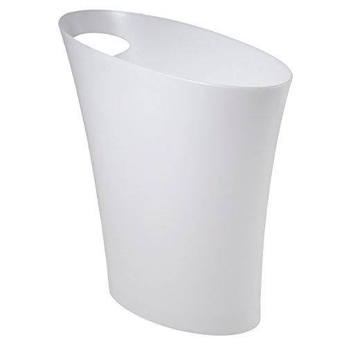 Umbra Skinny Abfalleimer – Kleiner & stylischer Badezimmer Mülleimer, Schlanker Papierkorb für kleine Räume in Ihrem Zuhause oder Büro, 7,5 l Fassungsvermögen, Kunststoff/Weiß Metallisch