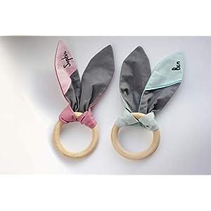 Greifling/Beißring Hasenohren, vegan, personalisiert, mit Namen, Holzring, rosa, mint, deutsche Handarbeit