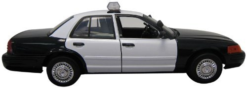 Motormax 1:18 Die-Cast 2001 Ford Crown Victoria Police Car by Motormax