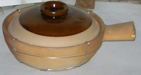 Pot & lid hand made clay 16 cm dia Flat Base 5cm long Handle Guaranteed quality