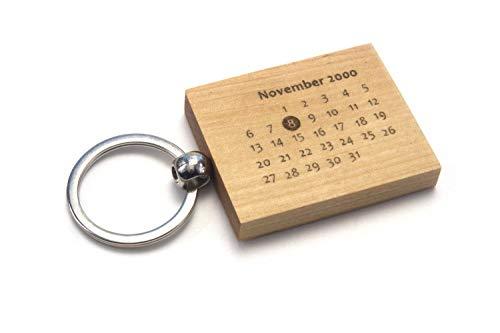 Schlüsselanhänger aus Holz | 2-seitig mit Datum und Koordinaten graviert | Geschenk, Jahrestag, Geburtstag, Hochzeit, Valentinstag (Birke mit Ring) -