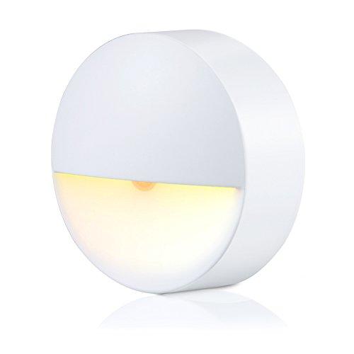 LED Nachtlicht, Bukm Nachtlichter mit Bewegungsmelder und Helligkeitssensor, Warmweiß automatisch Leuchte Energieeffizient für Flur, Schlafzimmer, Küche