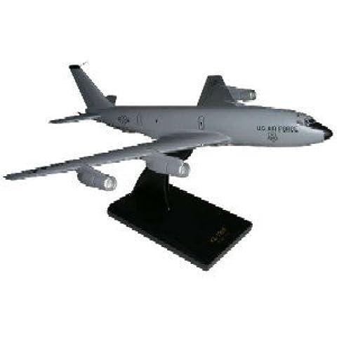 Daron Worldwide Trading B9410 KC-135E 1/100 AIRCRAFT by Executive Series Display Models
