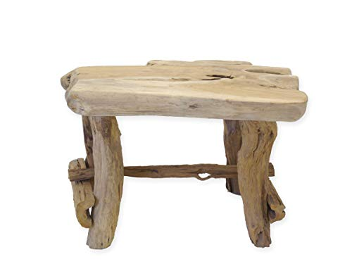 Tisch aus Teak Wurzelholz in seiner natürlichen Form gefertigt.Speziell die knorrigen, wildwüchsigen, eingerissenen und astigen Besonderheiten tragen sehr zum optischen Wert dieses Tisches bei.Die Tischdicke beträgt ca. 12 cm.Der Esstisch bietet ausr...