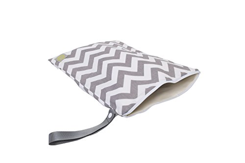 itzy-ritzy-travel-happens-wet-bag-with-handle-large-grey-chevron