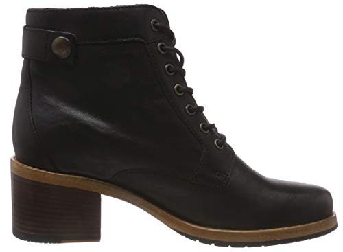 Clarks Women's Clarkdale Tone Ankle Boots 6