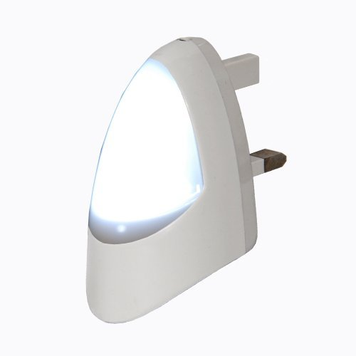 automatic-led-night-light-dusk-2-dawn-led-sensitive-white-plug-in