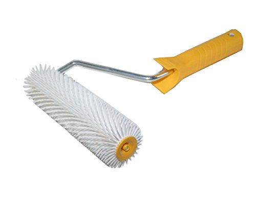 hand-spiked-aeration-roller-200mm-8-small-pointed-spikes-11mm-plastic-handle-h4558