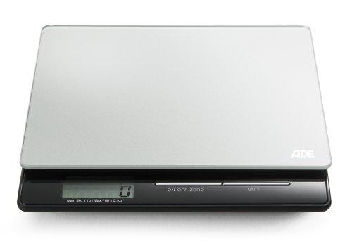 ADE Digitale Küchenwaage KE 1215 Franzi. Kompakte, elektronische Waage für präzises Wiegen bis 5 kg, auch für Flüssigkeiten. Tara, LCD-Display, inklusive Batterie. (silber - schwarz)