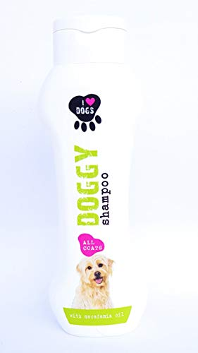 I Love Dog´s Hundeshampoo gegen Schuppen Milben-Flöhe-Geruch Mit Macadamia-öl 300ml zur Wohlfühlpflege. Auch für Welpen Empfohlen. Hautfreundlich, Pflegend und Angenehm im Duft