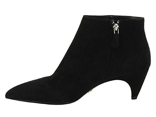 Boots à talon bas Prada en cuir de daim noir - Code modèle: 1T165 008 F1000 Noir