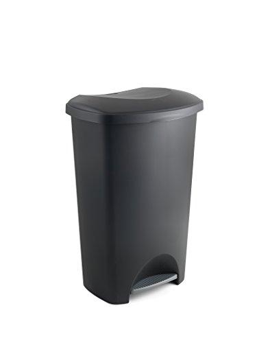 Cubo de basura con tapa y pedal