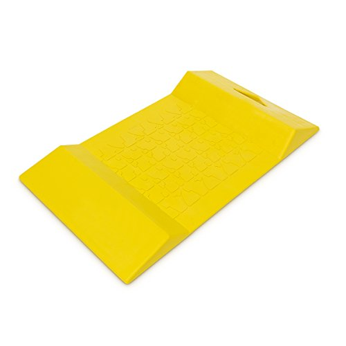 Relaxdays Autostopper Parkstopp Matte Parkstopper Autoparkhilfe Kunststoff Einparkmatte HxBxL 5 x 30 x 52,5 cm Kunststoff gelb mit 2 Erhebungen rutschfest