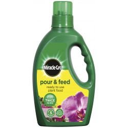 miracle-gro-pour-feed-1-liter