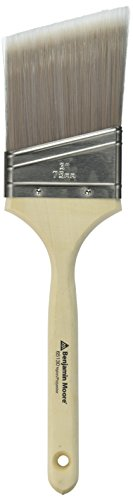 wooster-brush-company-205922-benjamin-moore-paint-brush-polyester-angle-3