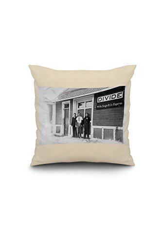 divide-colorado-exterior-view-of-wells-fargo-express-bldg-16x16-spun-polyester-pillow-case-white-bor