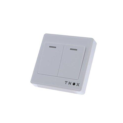 Interruptor-camara-espia-con-detector-de-movimiento-y-mando-a-distancia