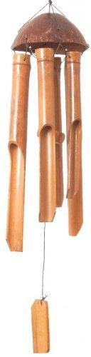 Bambus-Windspiel mit Kokosnuss