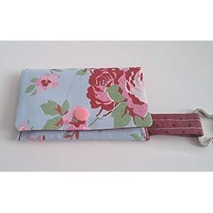 Kotbeutelspender Hundebeutel rot hellblauen Rosen Handarbeit Handmade