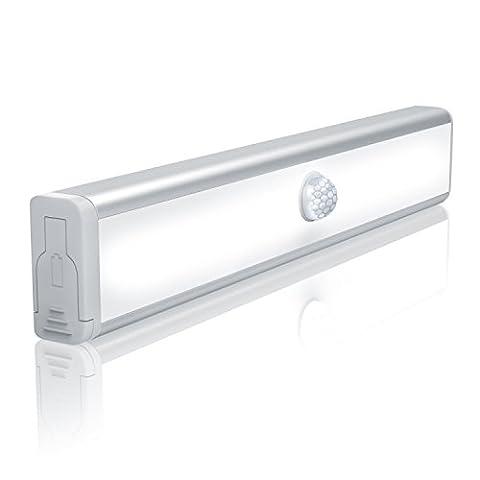 CSL - universal LED Leuchte mit Bewegungsmelder | Schranklampe / Unterbauleuchte | PIR-Sensorlicht | 10x LED warmweiß | batteriebetrieben | Energieklasse A++ / energiesparend und umweltfreundlich | schraubenlose