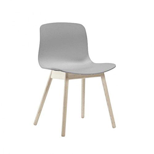 HAY About a Chair 12 Stuhl, grau Gestell Eiche geseift mit Kunststoffgleitern