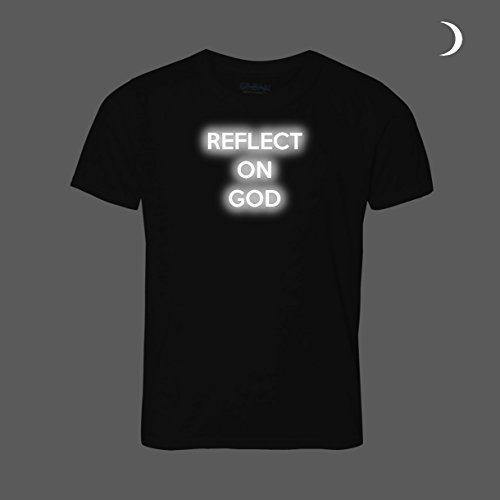 Reflect On God TShirt. Reflektierende Text. Geschenk Idee für fromme Christian religiöse Mann Frau Lady Priest Bischof Pfarrer oder Papst. Unisex Form (Label Staaten Herren und ist Herren Größe). Schwarz