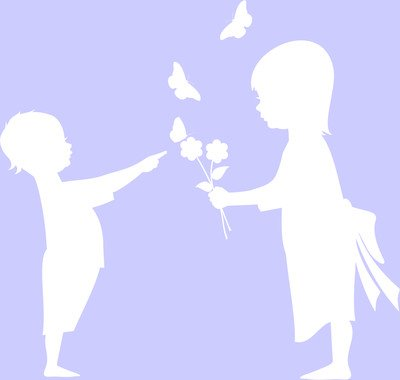 Adesivo bambini e farfalle prespaziato senza fondo, in vinile colorato, colore bianco lucido, 20 centimetri. Personalizza auto, moto, caschi, camion, furgoni, fuoristrada e 4x4, car wrapping e tuning, barche, valige, vetri, mobili e qualsiasi altra superficie liscia.