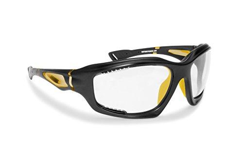 Occhiali sportivi con lente fotocromatica prodotti in leggerissimo TPX per ciclismo, running, moto, sport acquatici - Bertoni italy - F1000C (nero opaco / giallo bikers)