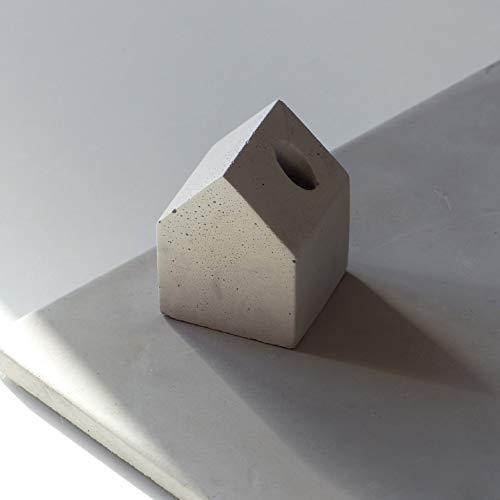 Hausförmiger Stifthalter Aus Beton