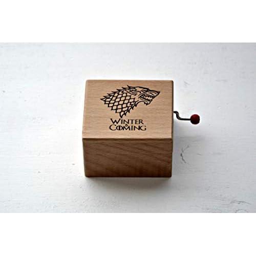 Pequeña caja de música de madera Winter is coming. Melodía de Juego de Tronos. Regalo para los fans de la serie. 9