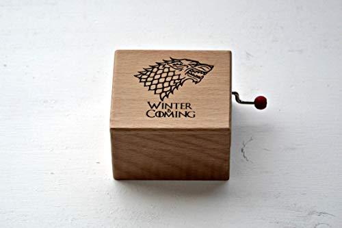 """Pequeña caja de música de madera """"Winter is coming"""". Melodía de Juego de Tronos. Regalo ideal para los fans de la serie."""