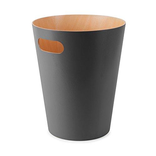 Umbra Woodrow Abfalleimer - Zweifarbiger Holz Papierkorb für Büro, Badezimmer, Wohnzimmer und Mehr, 7,5l Fassungsvermögen, Natur / Dunkelgrau