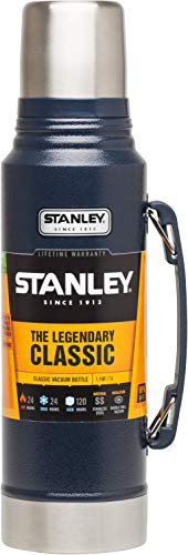 Stanley Legendary Classic Vakuum-Thermoskanne, 1 Liter, Hammertone Navy, 18/8 Stainless Edelstahl, Integrierter Thermobecher, Doppelwandige Isolierung Isolierflasche Isolierkanne Kaffeekanne -