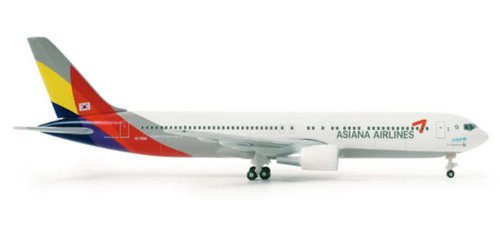 herpa-515887-asiana-airlines-boeing-767-300