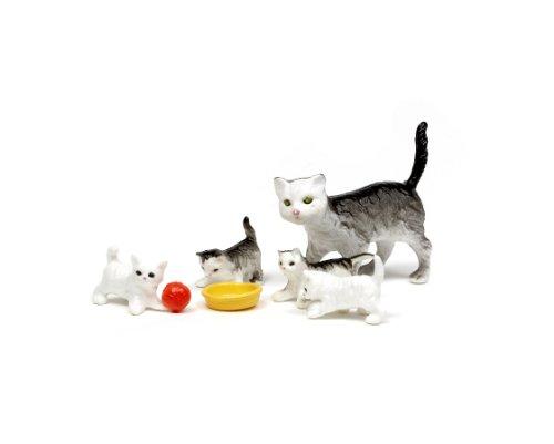 Imagen principal de Lundby Småland 60.8038.00 - Familia de gatos miniatura para casa de muñecas (escala 1:18, 4 unidades) [importado de Alemania]