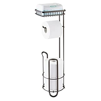 mDesign Portarrollos de pie para colocar sin tornillos – Portarrollo papel higienico para el baño – Práctico dispensador de papel con cepillo con estante de apoyo – Color: bronce