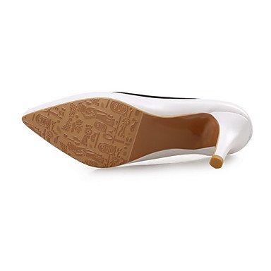 Moda Donna Sandali Sexy donna tacchi Primavera / Autunno / Inverno Comfort matrimonio cuoio / Party & sera abito / Stiletto Heel Split Joint nero / bianco / Mandorla White