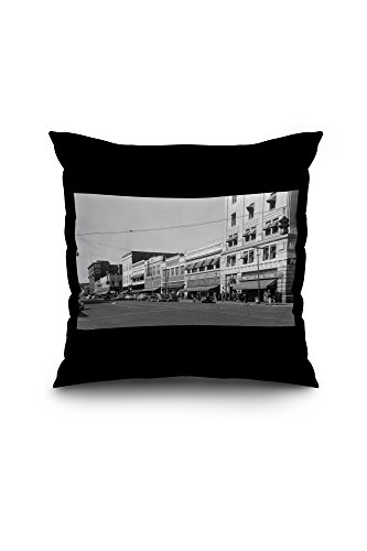 yakima-washington-street-scene-view-of-jc-penneys-18x18-spun-polyester-pillow-case-black-border