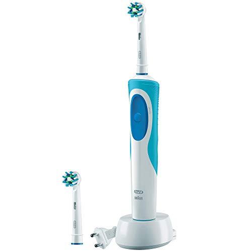 Oral-B Vitality CrossAction - Cepillo de dientes eléctrico recargable y 2 recambios, batería, temporizador, color blanco y azul