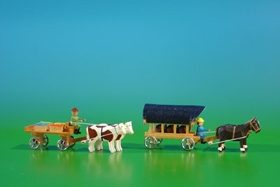 2-miniature-of-bottom-plates-board-cars-in-nature-with-ox-load-4-fruit-crates-and-covered-wagons-in-