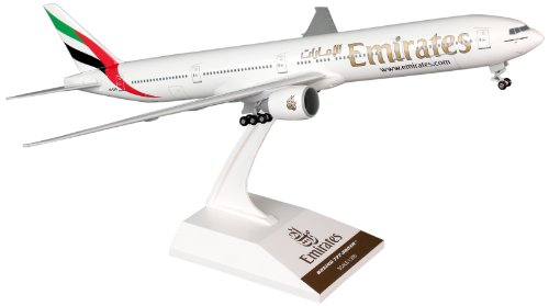 Daron Skymarks Emirates 777-300ER Avion Modèle kit de Construction avec Gear, 1/200-scale